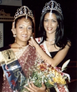 Amrita Persaud, being crowned by the outgoing queen Bhavna Toor