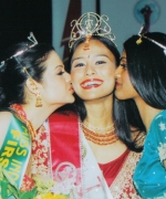 Tashi, being congratulated by Nisha Mirchandani (First Runner Up) & Pooja Kondabolu (Second Runner Up)