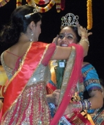 Sabrina Bachai, Anuradha Maharaj, Outgoing Queen, crowning Sabrina Bachai as the new Maaza Miss India New York