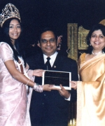 Neelam & Dharmatma Saran, being honored by Sarika Sukhdeo