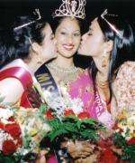 Trina Chakravarty, being congratulated by Nisha Mirchandani (First Runner Up) and Tashi Sharma (Second Runner Up)