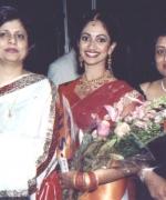 Neelam Saran & Anjana Trivedi, with Stacy Isaac (USA)