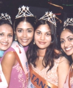 Winners, Hiral Shah From Kenya (Beautiful Smile), Sarika Sukhdeo From South Africa (Beautiful Hair), Ekta Bhatt From Tanzania (Miss Photogenic) and Stacy Isaac From USA (Beautiful Eyes)