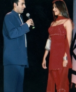 Emcee A. B. Moosa, chatting withAarti Chabria, rising Bollywood Star and Miss India Worldwide 1999