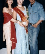 Santripti, with her National Directors from UAE - Shekhar Rahate & Rajeshree Aiyer