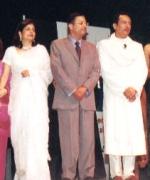 The Judges, from left to right - Seema Andhare, Punita Kumar - Sinha, Alka Suman, Neelam Saran, Jyoti Chatterjee with Hosts Shekhar & Archana