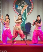 Aarti Chabria, Performing to Bollywood hit songs